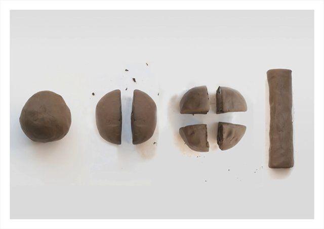 Aus den Formen des Lehms entstehen Logo und Typografie.