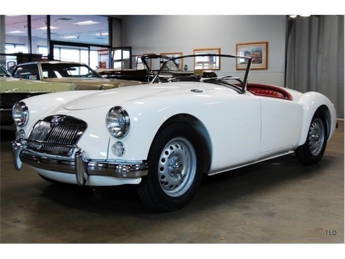 312 best voiture classic images on pinterest vintage cars cars and hot rods. Black Bedroom Furniture Sets. Home Design Ideas
