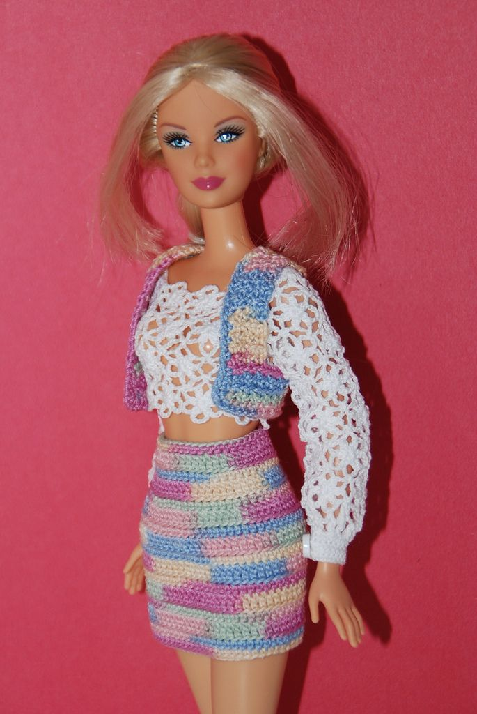 1635 best images about barbie garderobe on pinterest for Garderobe bolero