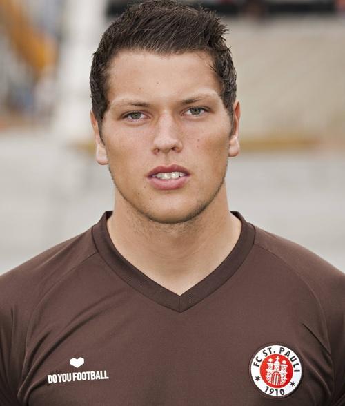 Daniel Ginczek ... Striker of FC St. Pauli