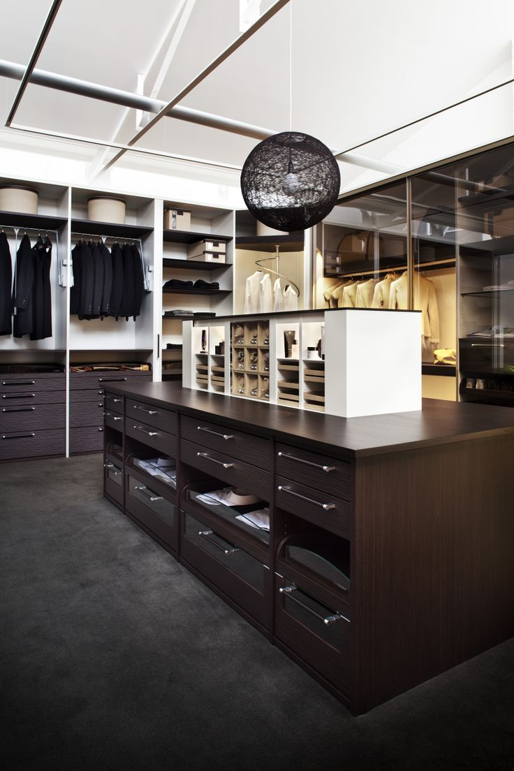 Wardrobe Design In This Brentwood Residence Combines Organization With Elegance In Organic Hues