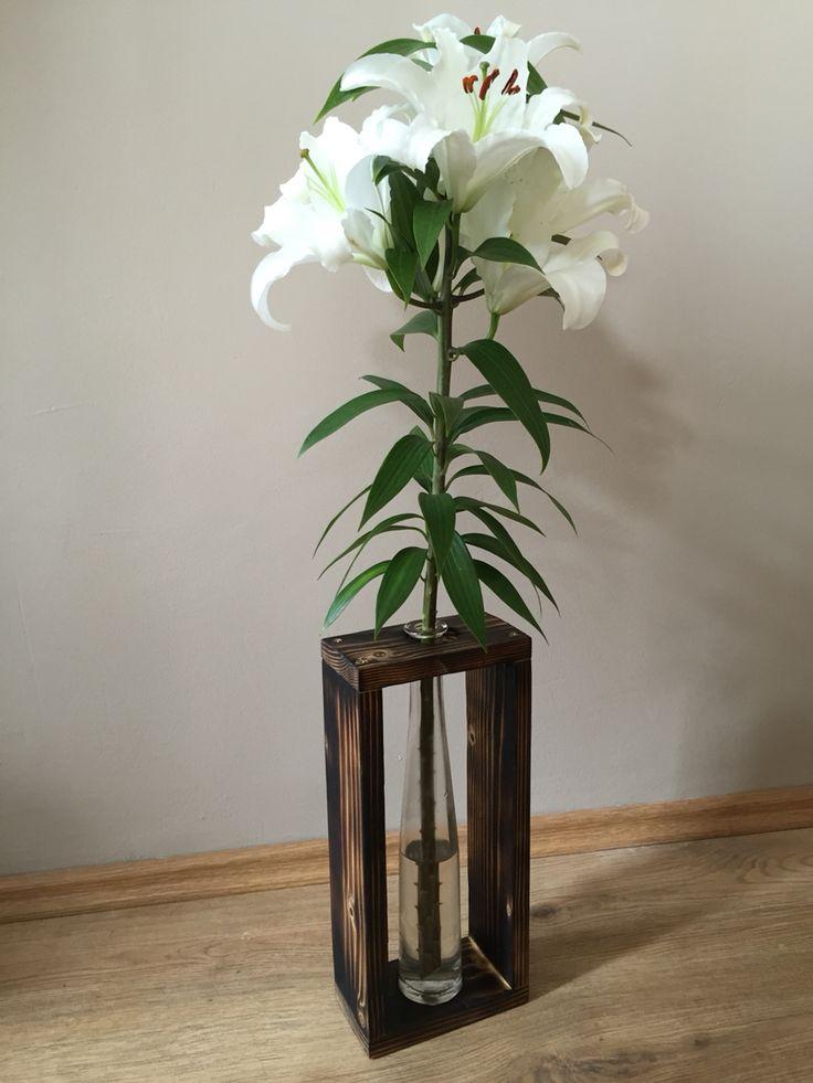 Újrahasznosított fából és üvegből készített váza