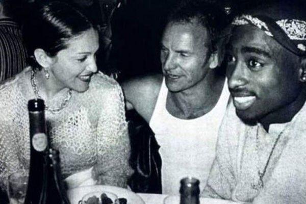 aparece Madona al lado de Sting y de Tupac Shakur. Madonna y Tupac tuvieron una relación hace mucho tiempo.