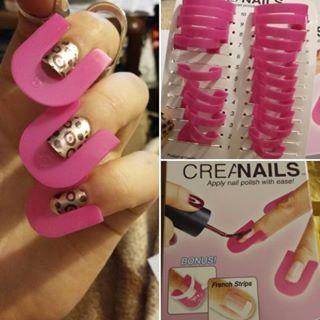 Os CreaNails são pequenos guias de esmalte que protegem os dedos para unhas perfeitas pintadas em casa. | 17 coisas que todo mundo que é ruim de maquiagem precisa ter