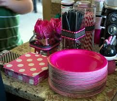 minnie mouse birthday party ideas - LOVE THE BLACK AND PINK RIBBONS-Minnie mouse theme with OUT being overly minnie