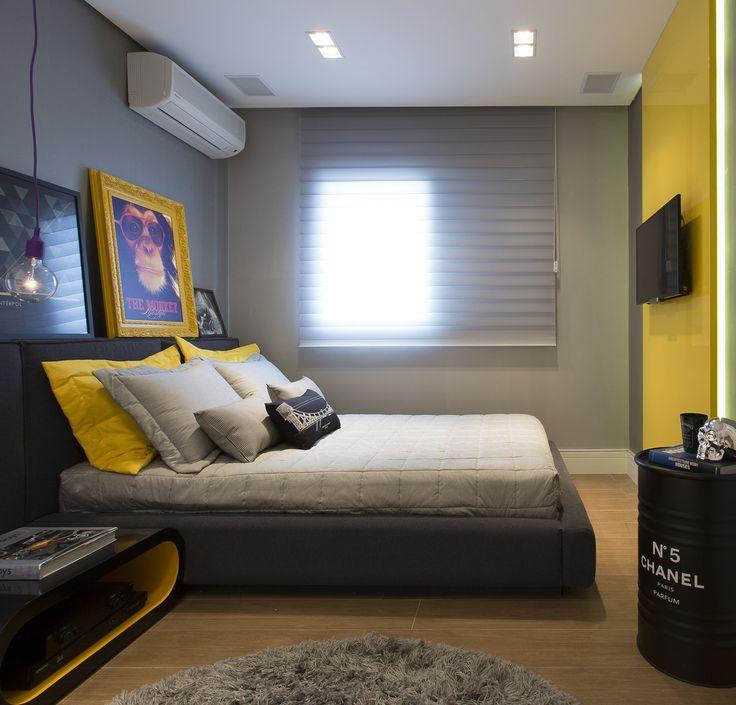 Quarto despojado amarelo : Quartos modernos por Barbara Dundes   ARQ + DESIGN