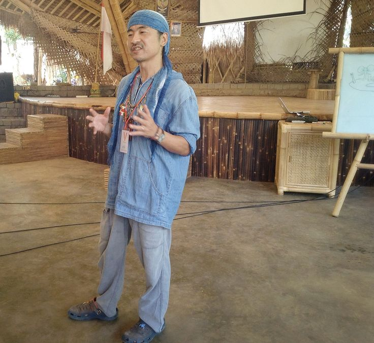 Ayumu Takahashi, famous author and writer, visited Green School in 2014.