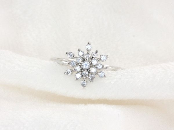 Snowflake Ring and other cute rings from hello miss apple
