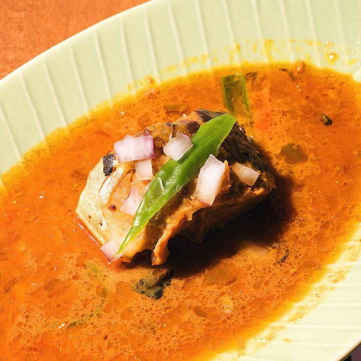 今回はインドの幅広い料理バリエーションの中から南インドなどでよく食べられているタイプのフィッシュカレーをご紹介します  ココナッツミルクでまろやかさとコクを作っていきタマリンドの酸味とトマトの旨味で味を引き締めたソースで魚を煮込むという非常に魅力的な一皿です  ティラキタレシピ 南インド風 フィッシュカレー http://recipe.tirakita.com/recipe/248/  #インド #インド料理 #南インド  #curry #カレー #カレーライス #鯖 #鯖の水煮缶 #絶品 #食 #飯テロ #手作り料理 #美味 #料理 #暮らし #おうちごはん #手料理 #料理写真 #キッチン #クッキング #クッキングラム #レシピ #Tirakita #ティラキタ