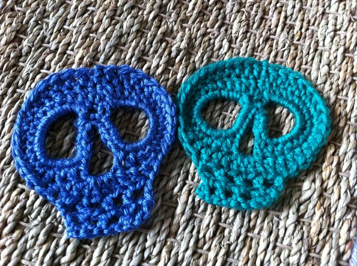 Crocheted skull motif guideline/tutorial