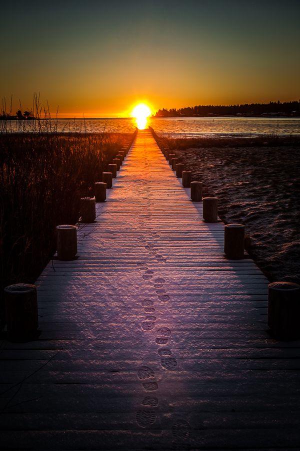 Sunrise by Håkan Johansson, via 500px