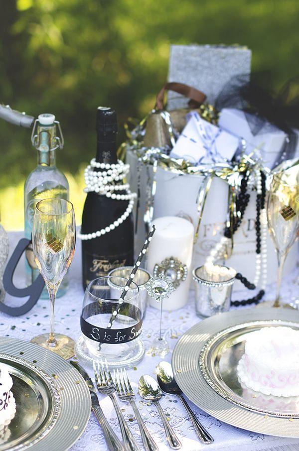 Great Gatsby wedding #tablesetting #centerpiece #weddingdecor #Gatsbywedding #reception