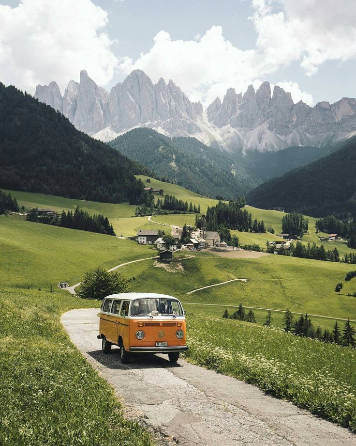 """198 Likes, 6 Comments - Daehaeng Kwon (@cool.cn) on Instagram: """"from @kitkat_ch - Amazing views for days in the dolomites! #vanconversion #campervan #camper…"""""""