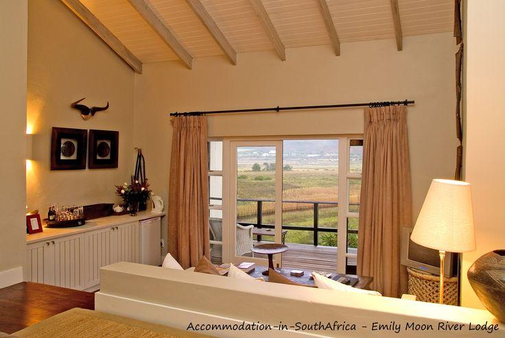 Spacious accommodation at Emily Moon River Lodge. Plettenberg Bay accommodation. Accommodation in Plettenberg Bay. Lodge accommodation in Plettenberg Bay.