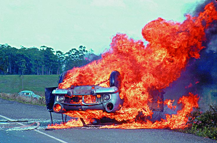 Carro em Fogo - Acidente Tabaí / Canoas - RGS - Brasil