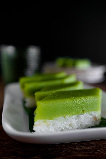 Kuih Seri Muka - a traditional Malay steamed glutinous rice and custard dessert, naturally green with pandan leaves!