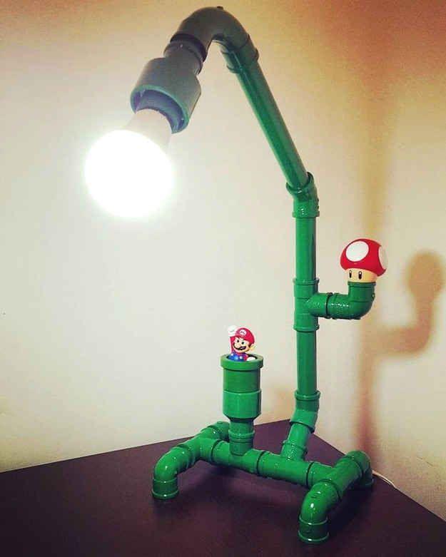 Com um pouco mais de habilidade você consegue fazer esta luminária ideal para gamers.