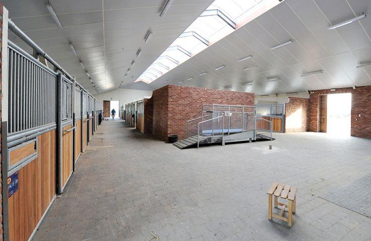 Modern Belgian Stable Barn Interior Arquitectura