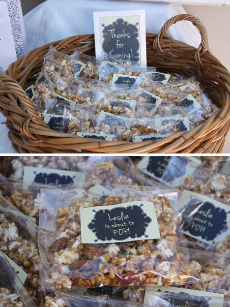 """Pop corn bags that say the expectant mother """"Is about to Pop"""": Shower Ideas, Favors Ready, Parties Favors Caramel, Baby Shower Favors, Popcorn Favors, Babyshowers 3, Favors Ideas, Favors Caramel Corn, Baby Shower Parties"""
