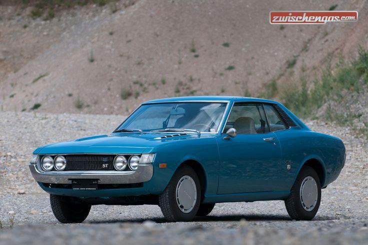 Platz eins in der Rangliste der Fahrzeuge mit der höchsten Wertsteigerung gegenüber dem Vorjahr hat erstmals ein Oldtimer einer japanischen Marke erobert: Der Toyota Celica Coupé: http://www.zwischengas.com/de/news/Oldtimer-Preise-steigen-weiter.html?utm_content=buffer786bb&utm_medium=social&utm_source=pinterest.com&utm_campaign=buffer  Foto © Balz Schreier