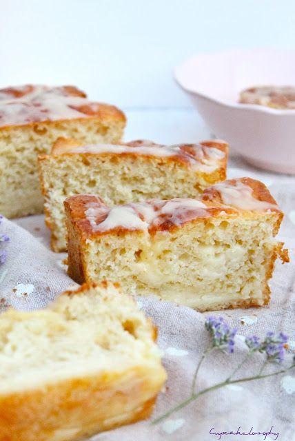 Pan dulce de crema pastelera