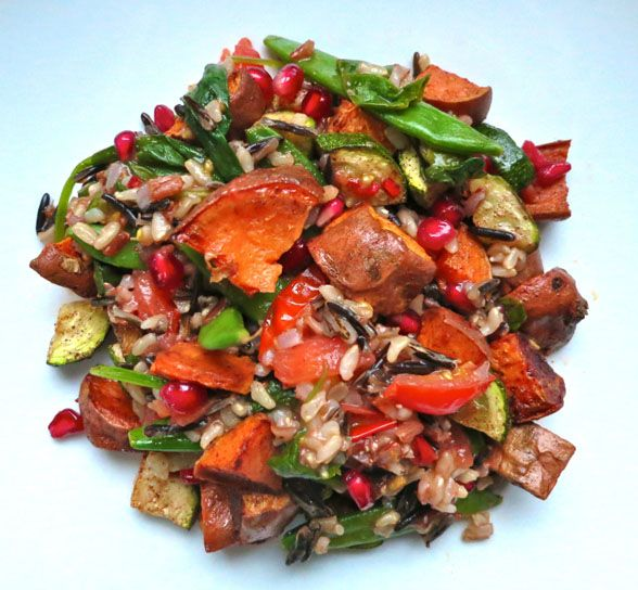 Thee rice medley with roasted sweet potatoes and courgettes: vegan