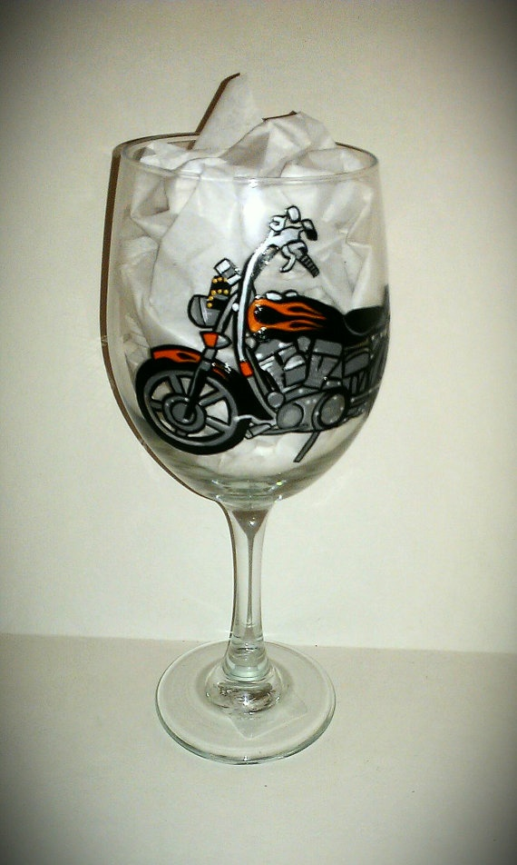 17 best images about wine glasses on pinterest set of for Hand painted glassware
