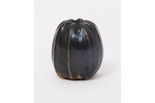 Lot 6 - A Martin Brothers stoneware miniature gourd vase by Edwin & Walter Martin, dated 1907, shouldered