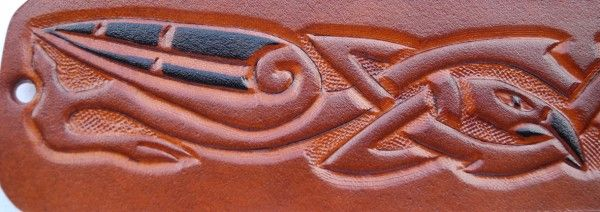Celtic dragon, handmade leather bracelet (detail)