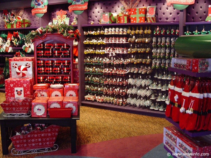 I LOVE the Christmas store at Downtown Disney!!