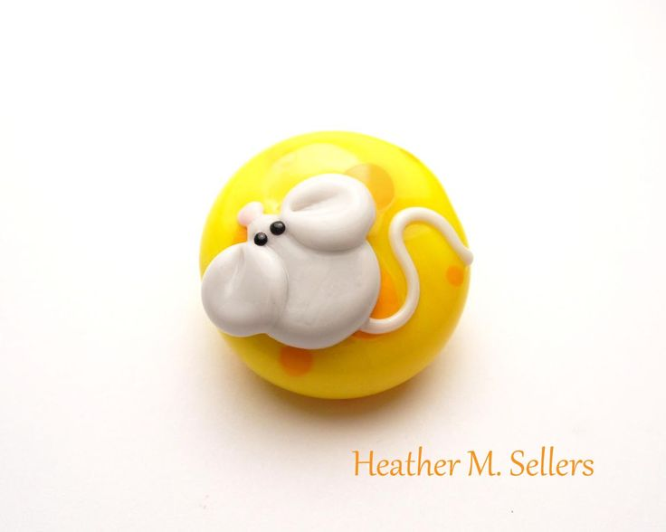 Mouse and Cheese, a lampwork glass bead by Heather Sellers #cheesehead #greenbay #packers #cheese #mouse #lampwork