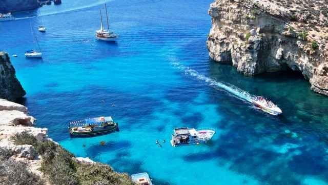 7 Ottime Offerte per le Vacanze in Estate nelle Isole Europee 7 bellissime isole in 5 diversi paesi per una vacanza indimenticabile. Spiagge sabbiose e bianchissime, coste rocciose e color del miele, montagne che regalano stupende viste ad alta quota, dolci coll #offerte #vacanze