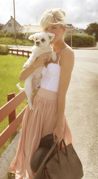 peachy skirt with white corset tank! Must have!