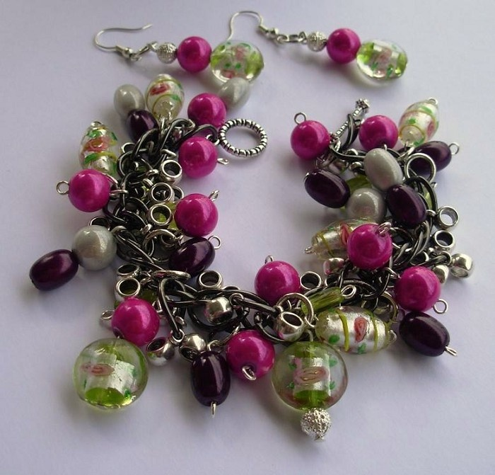 Pink Tango summer/autumn colors with lampwork beads, miracle beads and Tibetan silver. (Earrings separate.) $35.25
