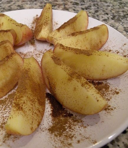 Healthy Snack - Microwave Cinnamon Apples