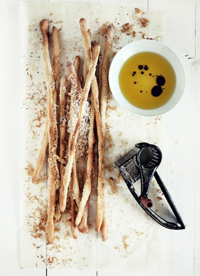 homemade parmesan grissini