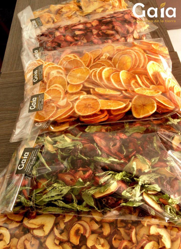 Entrega de frutas deshidratadas a tea sommelier Gaia - Quito
