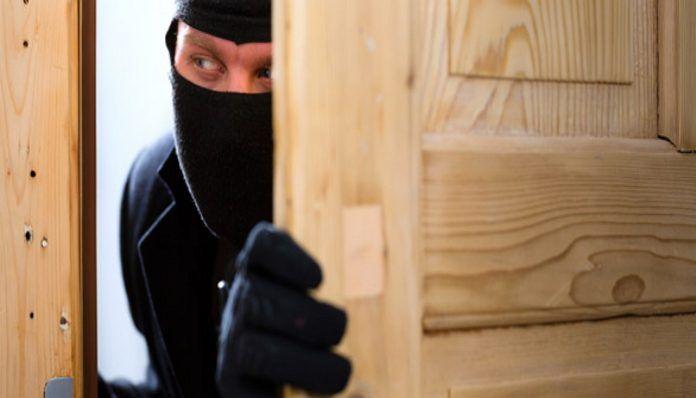 Ψησταριά-Ταβέρνα.Τσαγκάρικο.: Ο νόμος προστατεύει τους εγκληματίες.Διαβάστε δικα...