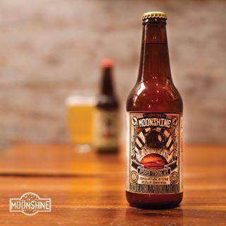 En la #cerveceriamooonshine nos esmeramos por obtener un excelente sabor y calidad de los productos que ofrecemos #Moonshine #piensaindependiente #tomaartesanal #cervezabogotana #cervezacolombiana #craftbeer #bogota