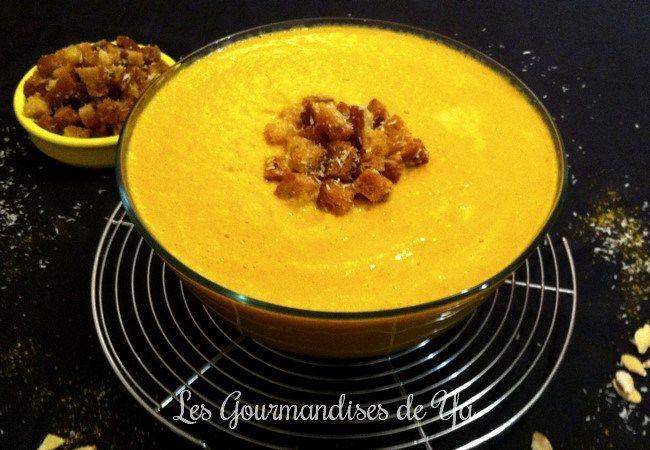 Velouté de courge et carottes, noix de coco au curry