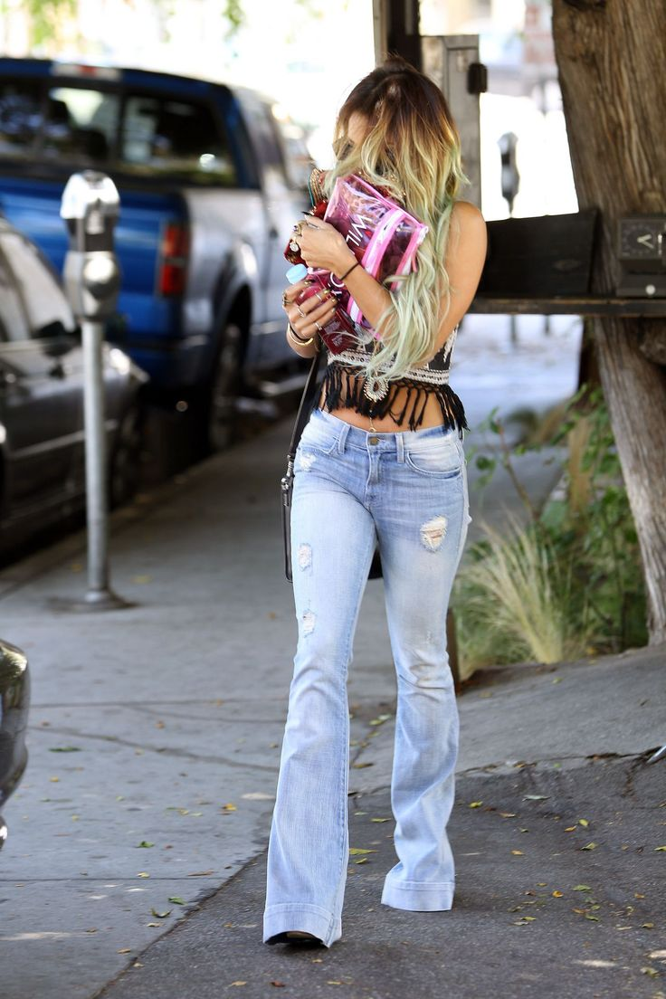 Vanessa Hudgens in Jeans at Nine Zero One Salon in West Hollywood – May 2014