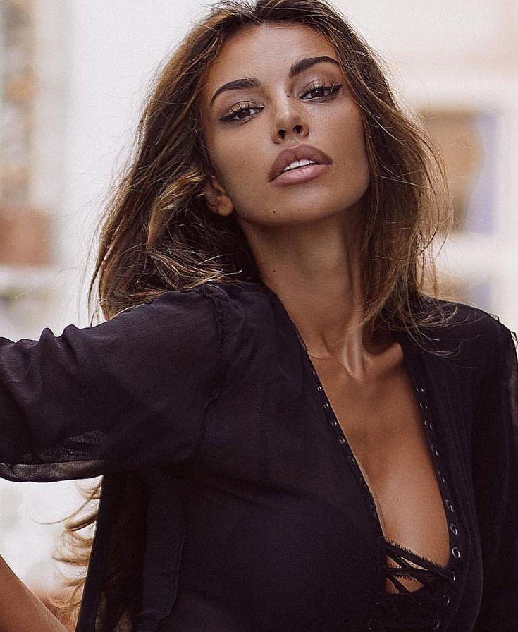 Look Madalina Ghenea-recreeaza machiaj - Fashion Review