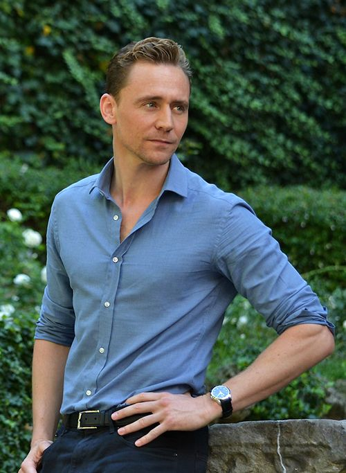 Tom Hiddleston attends a photocall for 'Crimson Peak' at Le Jardin de Russie on September 28, 2015 in Rome, Italy