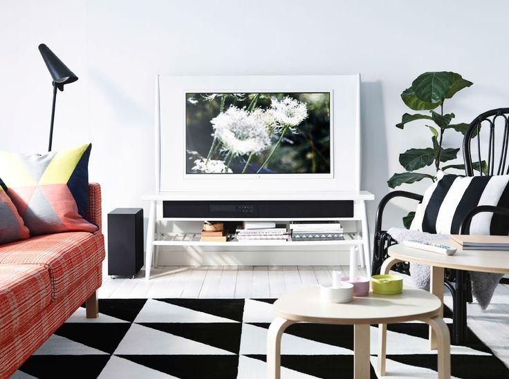 Ein Weisses Wohnzimmer Mit HIMNA Kombination TV 40 21 Soundsystem In Weiss Ikea WohnzimmerKombinationNeuheitenSchwarz