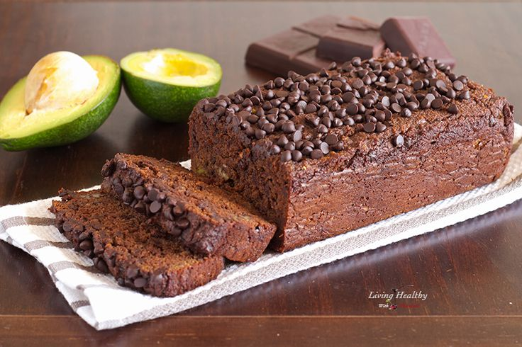 Avocado Chocolate Bread (2 1/2c almond flour, 1/4c cacao, 1 1/2c avocado, 3tbs coconut oil, 3tbs honey, baking soda, salt, vanilla, 2 eggs)