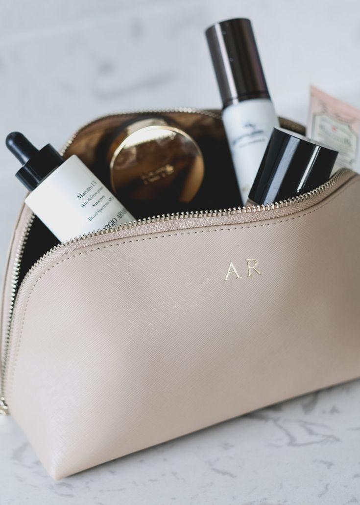 Monogrammed Makeup Bag (the perfect bridesmaid gift!)