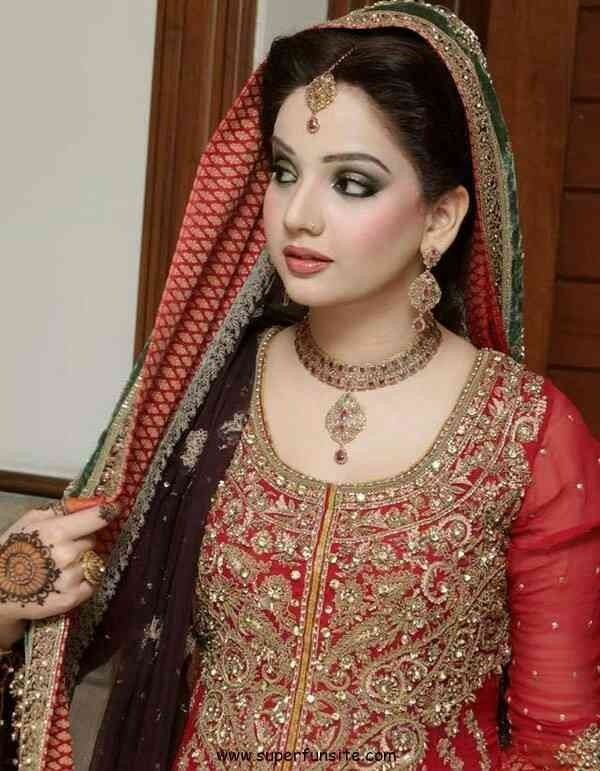 Bride in red!!