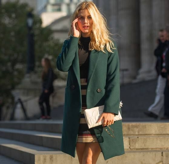 Presenter, model & blogger Ashley James perfects spring time dressing with her white Santorini Flower clutch.