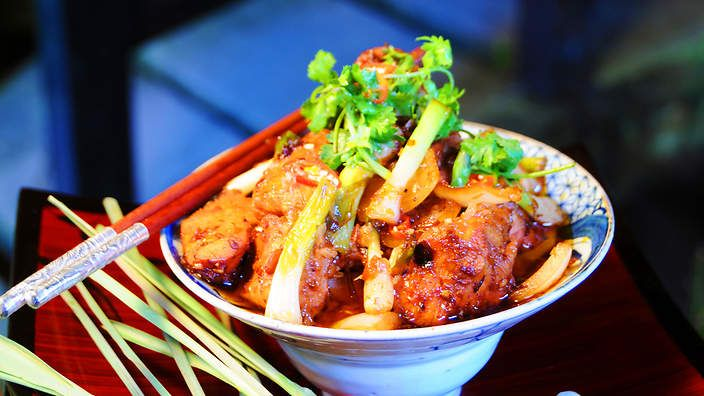 Lemongrass chilli chicken (ga xao xa ot) | Luke Nguyen cooks up the flavours of Vietnam withthis aromatic chicken stir-fry recipe. It's quick and simple enough for everyday dinners, with plenty of wow-factor for entertaining.
