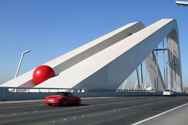 Kurt Perschke's RedBall Art Project
